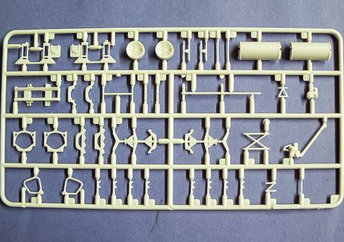 US Navy Missiles Carts with 5 Weapon Officers Skunkmodels