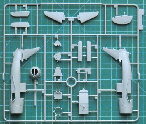 SB2C-3 Helldiver CYBER-HOBBY